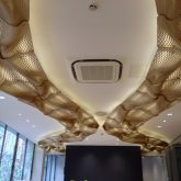 The Wooden Waves - Buro Happold - The ceiling Installation at 71 Newman Street - Picture by Bilal Mian ©Mamou-Mani